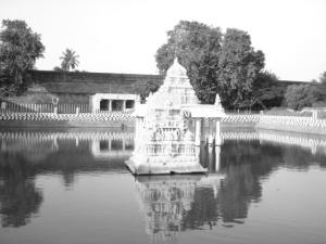 Varadaraja Temple tank